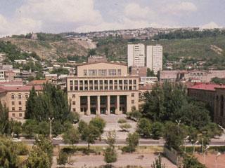 Постсовет.RU Армянские студенты призвали к бойкоту занятий в вузах